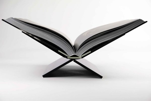 8717953273840 Boekenstandaard Middel Design Zwart