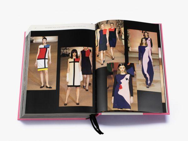 9780500022399 Yves Saint Laurent Catwalk